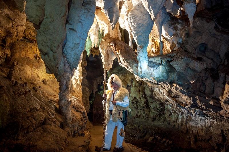 """Обилазак пећине """"Равништарка"""""""